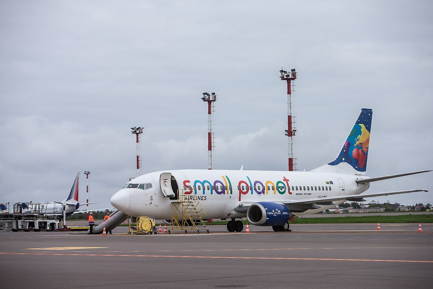"""Small Planet Airlines"" skraidys iš Amsterdamo"