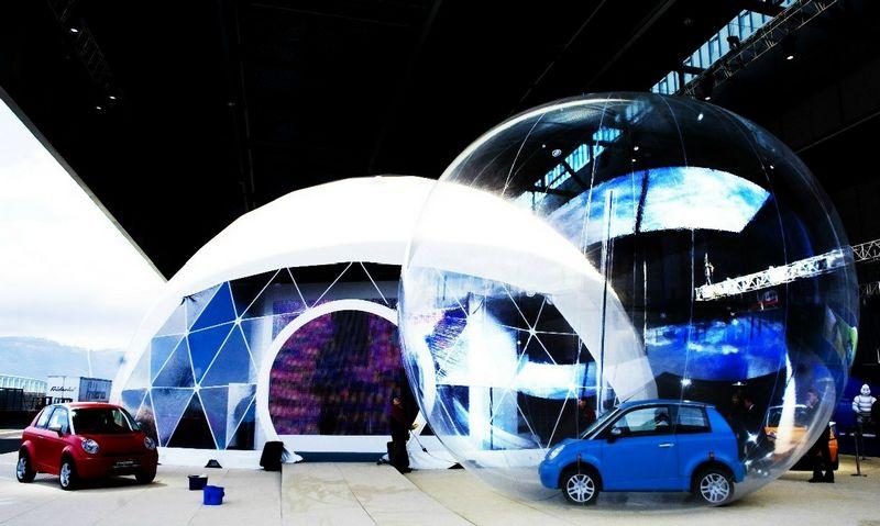 """Kas taps Pasaulio metų automobiliu, paaiškės ateinančių metų Ženevos automobilių parodoje. Saros Johannessen (""""Reuters"""" / """"Scanpix"""") nuotr."""