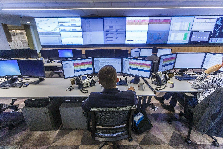 Lietuvos finansų sektoriusdėlioja didesnį algų fondą