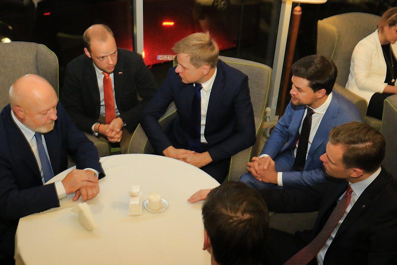 Seimo rinkimai: džiaugsmas, atsistatydinimai, kaltinimai klastojimu