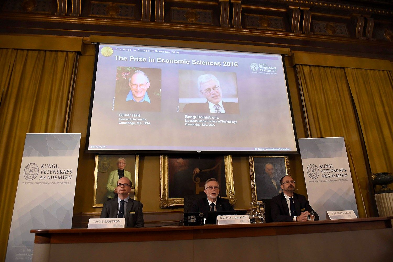 Nobelio ekonomikos premija atiteko sutar�i� tyr�jams