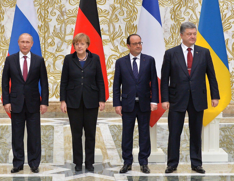 Porošenka ir PutinasBerlyne tarsisdėl Ukrainos