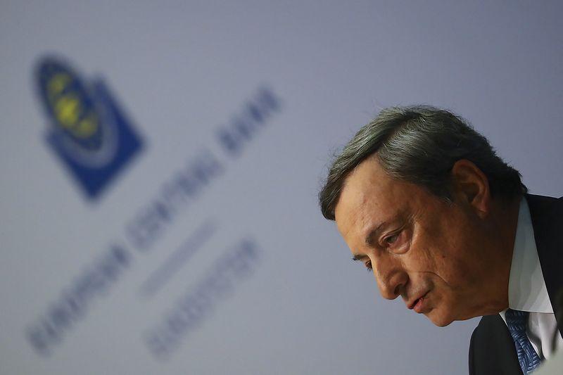 "Mario Draghi, ECB prezidentas.  Kai Pfaffenbacho (""Reuters""/""Scanpix"") nuotr."