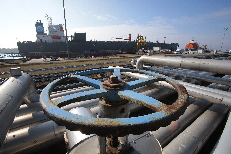 �Klaip�dos nafta� pasira�� ilgalaik� sutart� su baltarusi� naftininkais