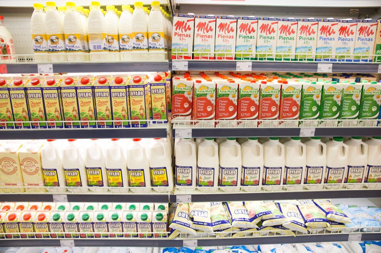 Nauja prievol� pieno pramonei: gamintojai kreip�si � teism�