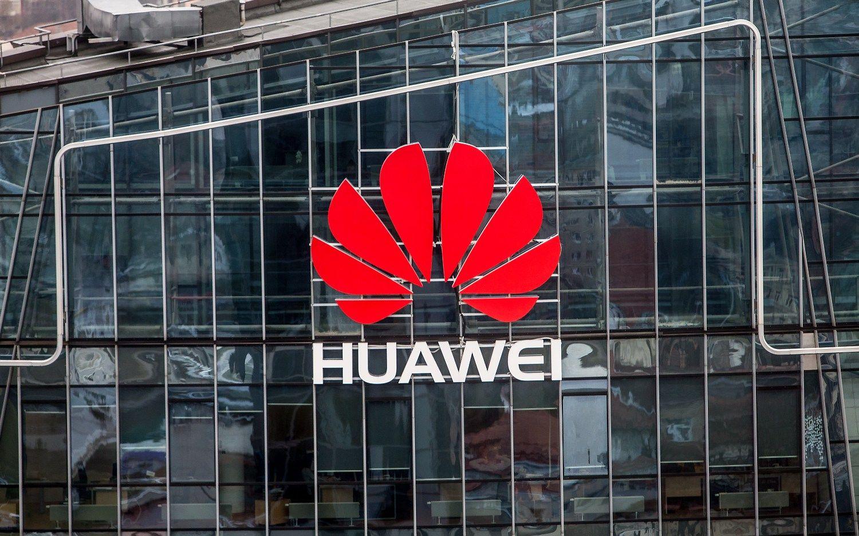 �Huawei� dal� gamybos kelia � Indij� � ten pigiau