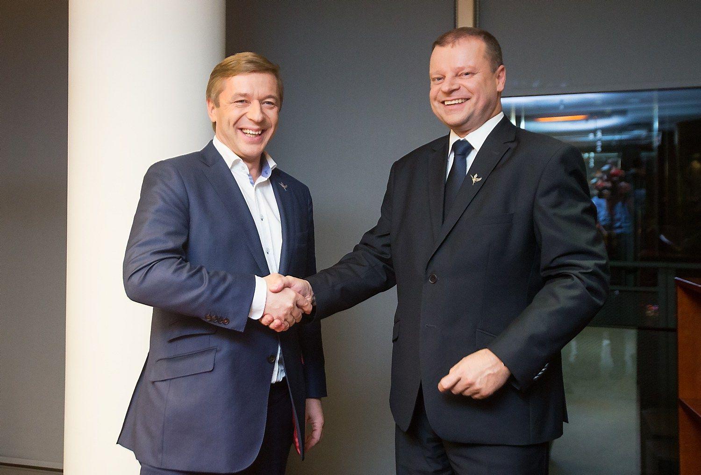 Seimo rinkimus laim�jo valstie�iai: der�sis ir su konservatoriais, ir su socialdemokratais