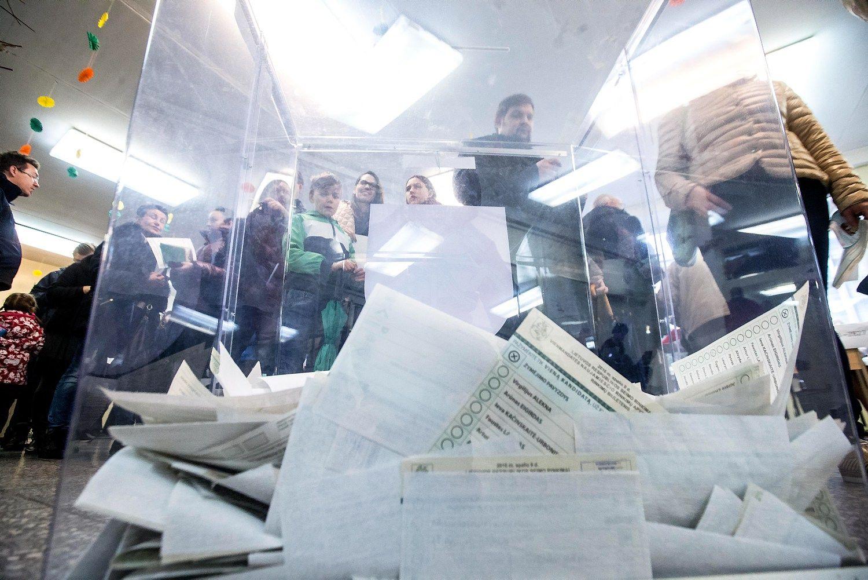 Vyksta antrasis Seimo rinkim� turas