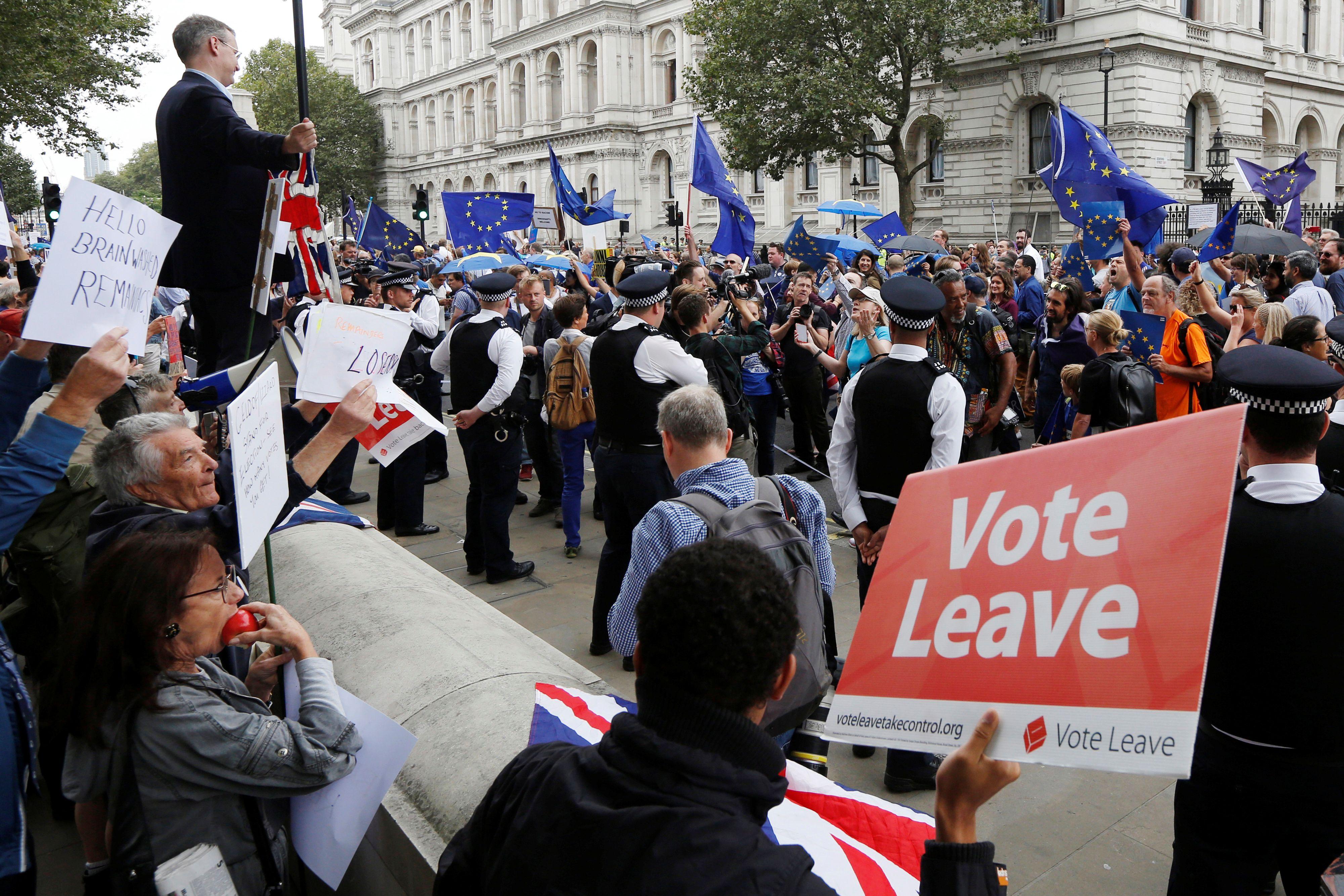 Jungtin� Karalyst� pasitrauks, bet jos �sipareigojimai ES � liks