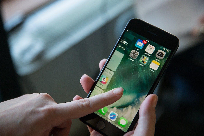 """VŽ apžvalga: """"iPhone 7"""" geras, bet aikčioti neprivers"""