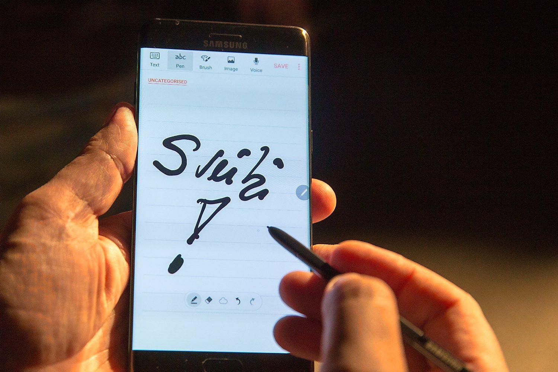 """""""Note 7"""" pakirpo """"Samsung"""" pelną"""
