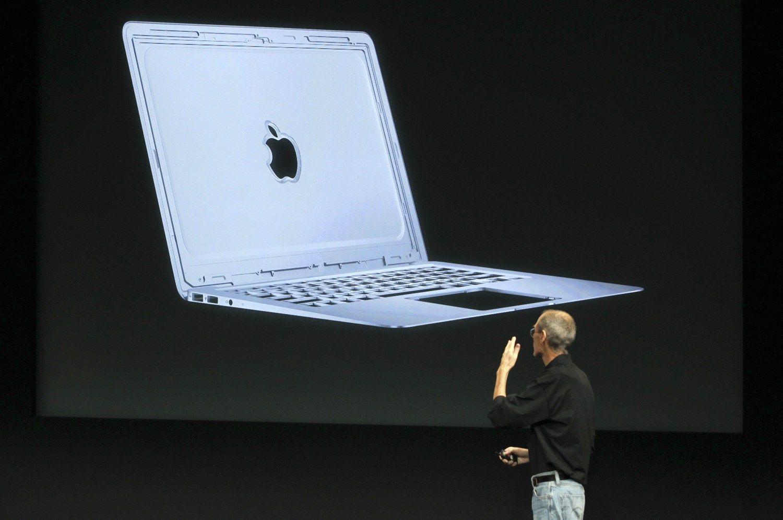 """""""Apple"""" atsisakė savo pigiausio nešiojamojo kompiuterio"""