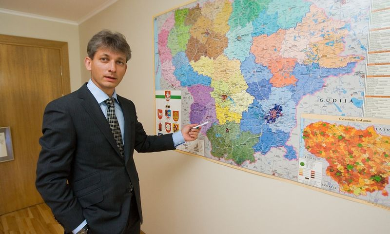 """Adomas Grigaitis, bendrovės """"Litagros prekyba"""" generalinis direktorius: """"Pastebėjome, kad piko metu prekių pristatymas klientams dažnai sukelia laikinų problemų. Pradėjome analizuoti procesus ir pamatėme, ką ir kur turime taisyti, liko tik sugalvoti, kaip taisyti"""". Vladimiro Ivanovo (VŽ) nuotr."""