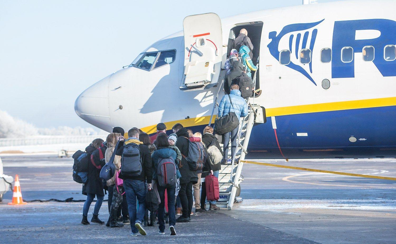 """Vilniaus oro uosto rekonstrukcija: """"Ryanair"""" į Kauną skrydžių neperkels"""