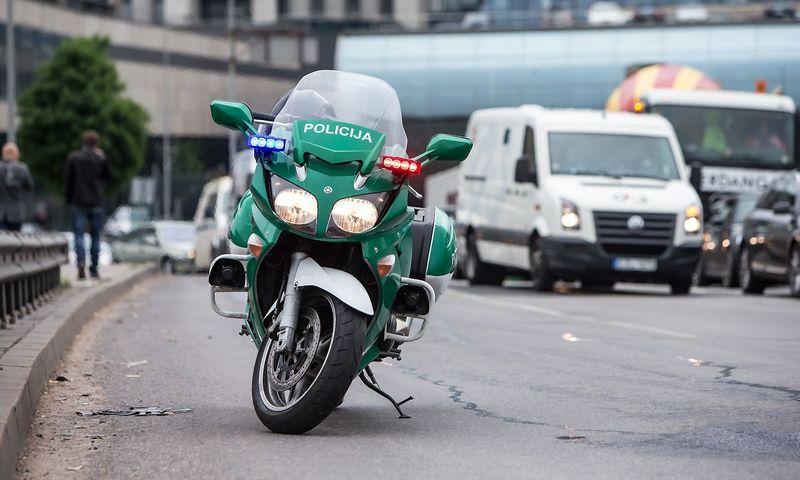 Už transporto priemonę be draudimo bus baudžiami ir vairuotojai, ir savininkai. Juditos Grigelytės (VŽ) nuotr.