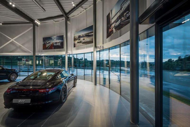 Porsche salonas. Bendrovės nuotr.