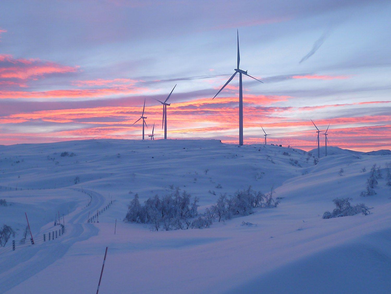 """""""Fortum"""" Norvegijoje perka tris vėjo jėgainių parkus"""