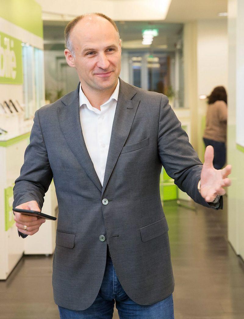 """Pranas Kuisys, telekomunikacijų UAB """"Bitė Lietuva"""" valdybos narys ir vykdomasis direktorius: """"Mobiliojo ryšio operatorių – tokių, kokie buvo iki šiol, – ateityje tiesiog nebeliks, jie taps daugybės įvairių integruotų paslaugų teikėjais."""" Juditos Grigelytės (VŽ) nuotr."""