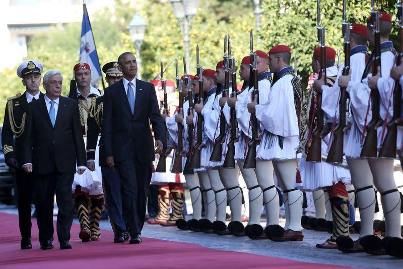 """JAV prezidentas Barackas Obama atvyko į Atėnus. Alkio Konstantinidžio (""""Reuters"""" / """"Scanpix"""") nuotr."""
