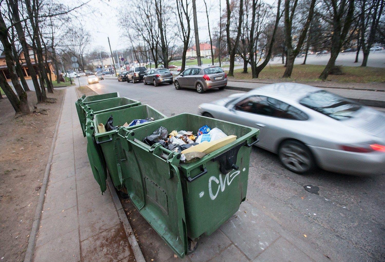 Molėtuose aptiko privilegijuotą atliekų vežėją