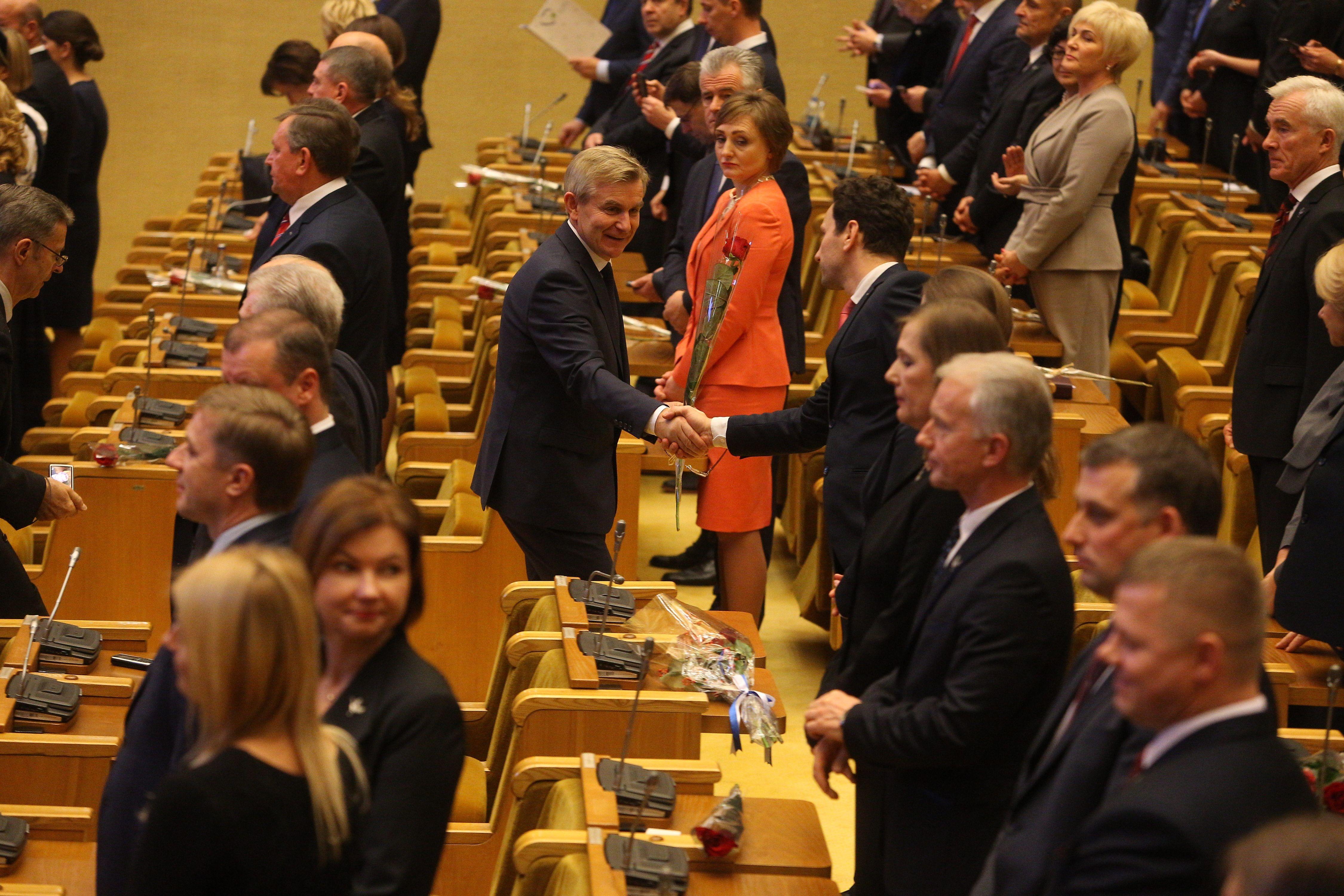Seimui pradėjus darbus brėkšta nauja Vyriausybė