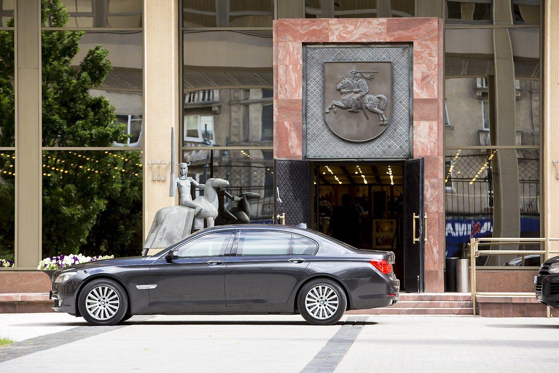 Seimo nariams nuomojant mašinas nebus galima naudoti parlamentinių lėšų