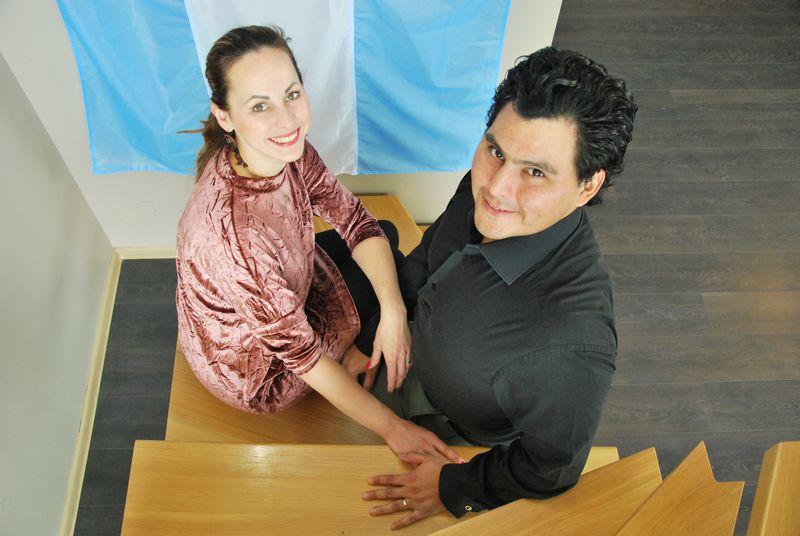 """Brigita ir Carlosas Rodriguezai, argentinietiškojo tango mokyklos """"Tango Salon"""" įkūrėjai: """"Yra daug argentiniečių tango šokėjų, bet tik nedaugelis moka tai paversti verslu."""" Indrės Sesartės (VŽ) nuotr."""