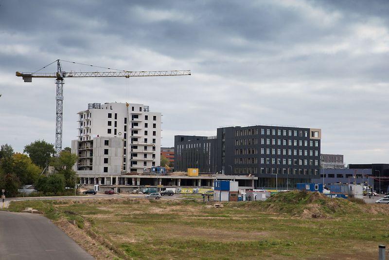 """Verslo centras """"Žalgirio 135"""" bei butai.  Vladimiro Ivanovo (VŽ) nuotr."""