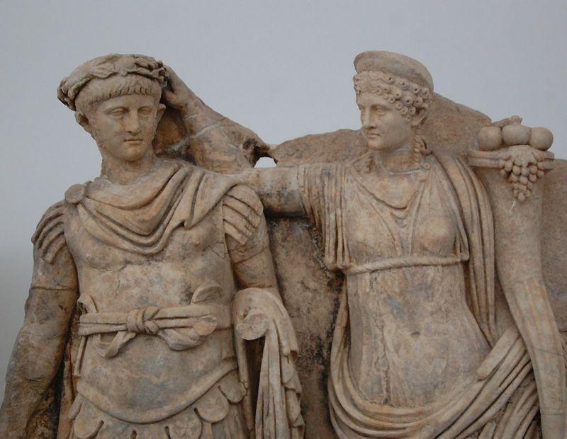 Neronas ir Agripina. Pastaroji nužudė vyrą imperatorių Klaudijų, kad jos sūnus Neronas gautų jo postą. Jam tapus imperatoriumi paaiškėjo, kad jis paveldėjo motinos žiaurumą. Oksfordo universiteto nuotr.