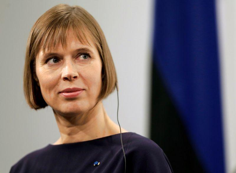 """Kersti Kaljulaid, Estijos prezidentė, naujos koalicijos formavimą patikėjo Juri Ratui. Intso Kalninio (""""Reuters"""" / """"Scanpix"""") nuotr."""