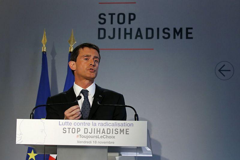 """Manuelis Vallsas, Prancūzijos premjeras. Jacky Naegelen (""""Reuters"""" / """"Scanpix"""") nuotr."""