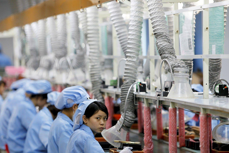 """""""Samsung"""" ir """"Panasonic"""" kaltinamos darbuotojų išnaudojimu"""
