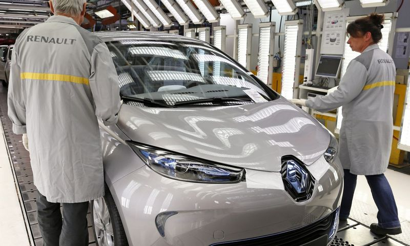 """Renault Zoe"" elektra varomas automobilis. Benoito Tessierio (""Reuters""/""Scanpix"") nuotr."