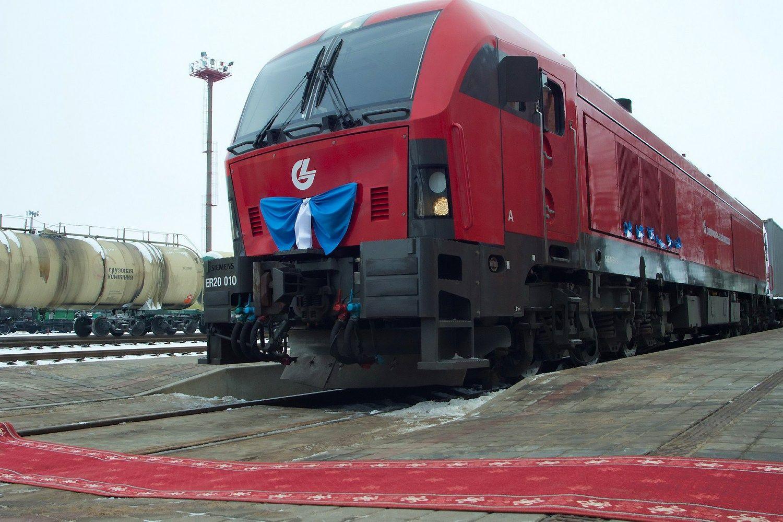 """Pasiūlė Lenkijai krovinius vežti traukiniu """"Saulė"""""""