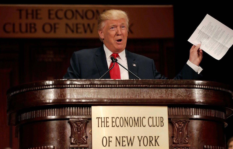 Donaldo Trumpo nenorėję Vokietijos ekonomistai regi prošvaistes