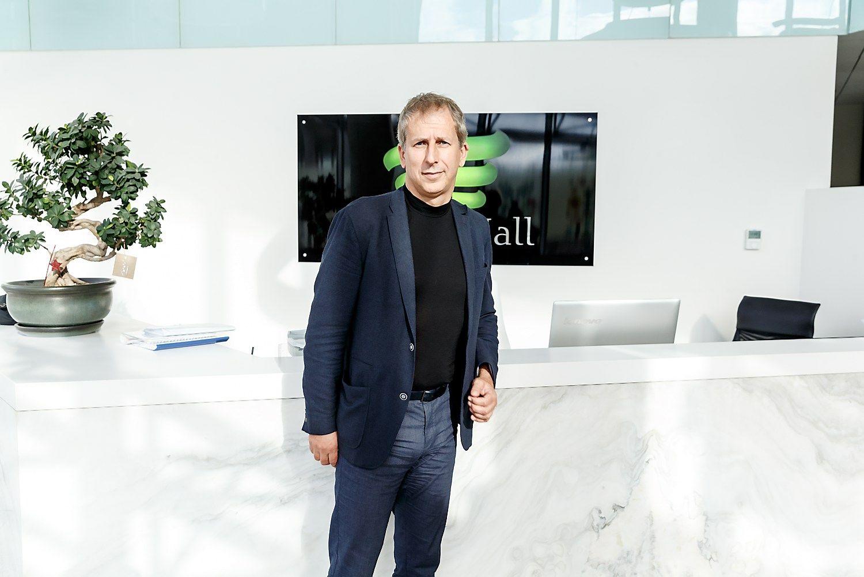 Valentinavičius įsigijo 2% SBA baldų grupės akcijų