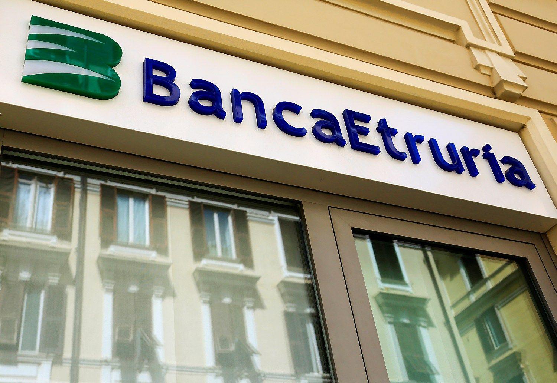 Baimės dėl referendumo skandina Italijos bankų akcijas