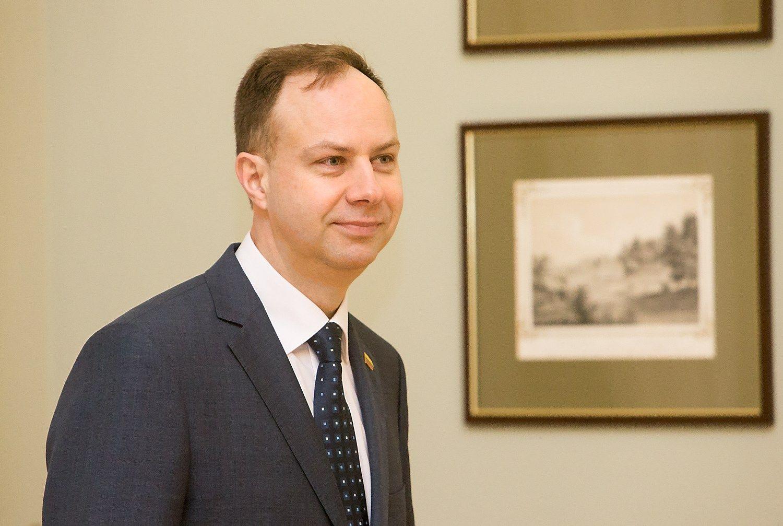 Kandidatas į sveikatos apsaugos ministrus žada pradėti nuo vaistų kainų