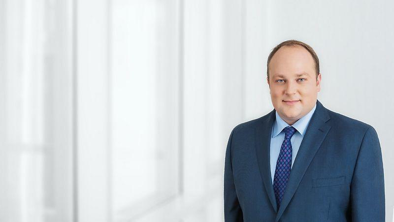 """Karolis Smaliukas, advokatų kontoros """"Cobalt"""" vyresnysis teisininkas. Bendrovės nuotr."""