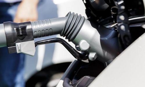 Europos automobilių gamintojai kurs įkrovos stotelių tinklą