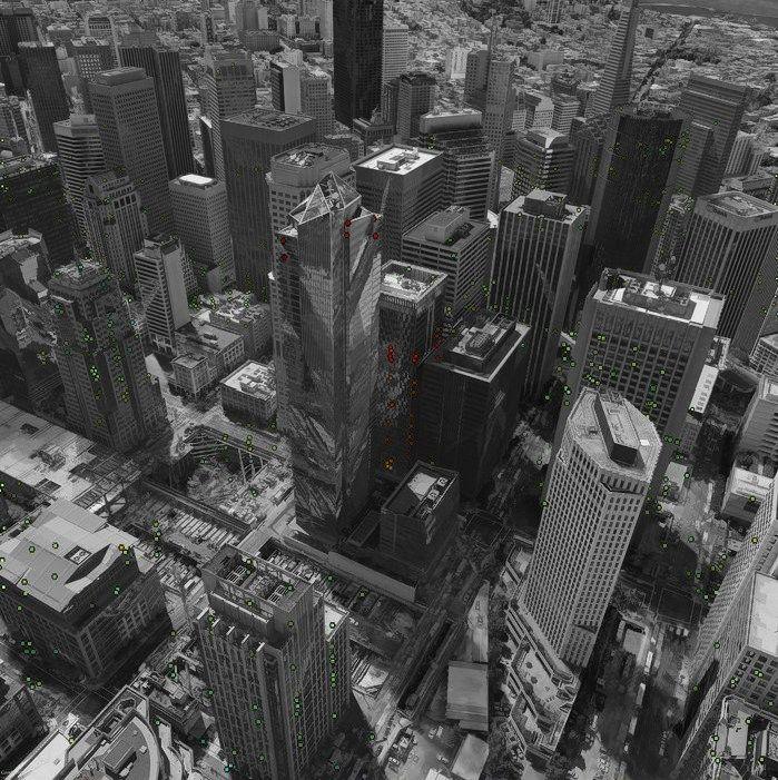 San Fransisko dangoraižis smenga ir svyra