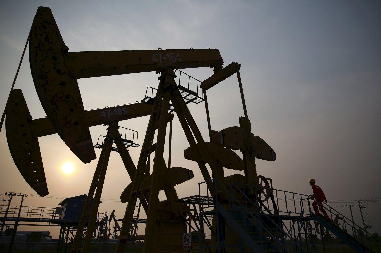 Skelbiama, kad OPEC susitarė: sumažins produkciją