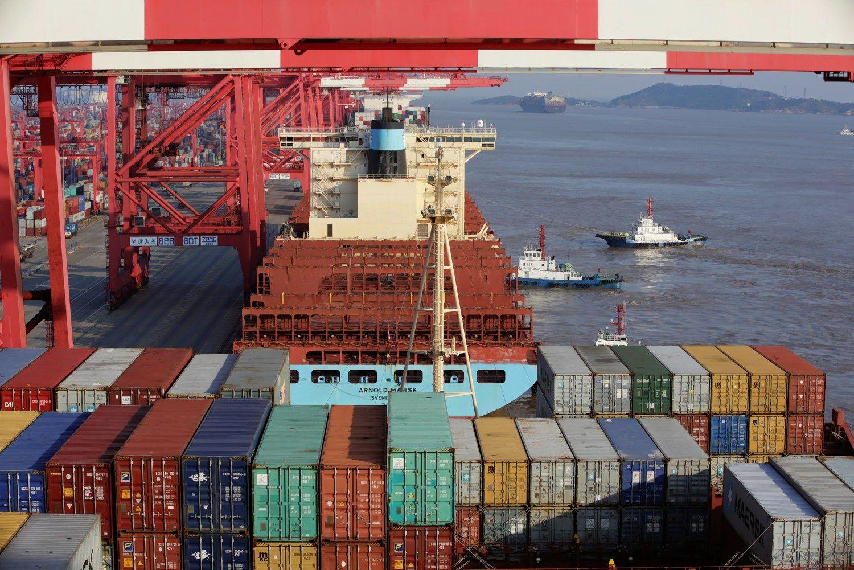"""""""Maersk Line"""" perka mažesnį savo konkurentą"""