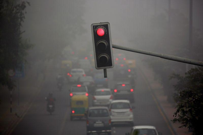 """Dyzelinių automobilių nebenori dar daugiau miestų. Cathalo McNaughtono (""""Reuters"""" / """"Scanpix"""") nuotr."""