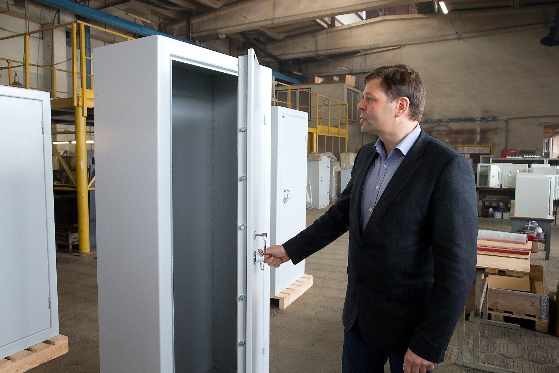 """Pirmoji """"InnovFin"""" sutartis: seifų gamybai bus pasitelkti robotai"""