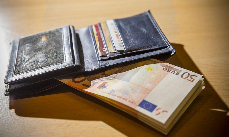 Šiuo metu naujų ir senų darbuotojų atlyginimai toje pačioje įmonėje gali skirtis 20-50%. Vladimiro Ivanovo (VŽ) nuotr.