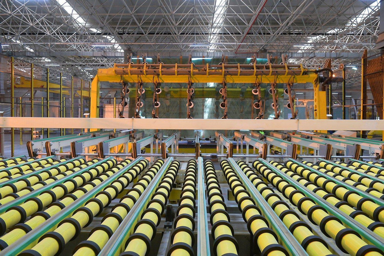Pasaulio gamyklos lapkritį didino apsukas