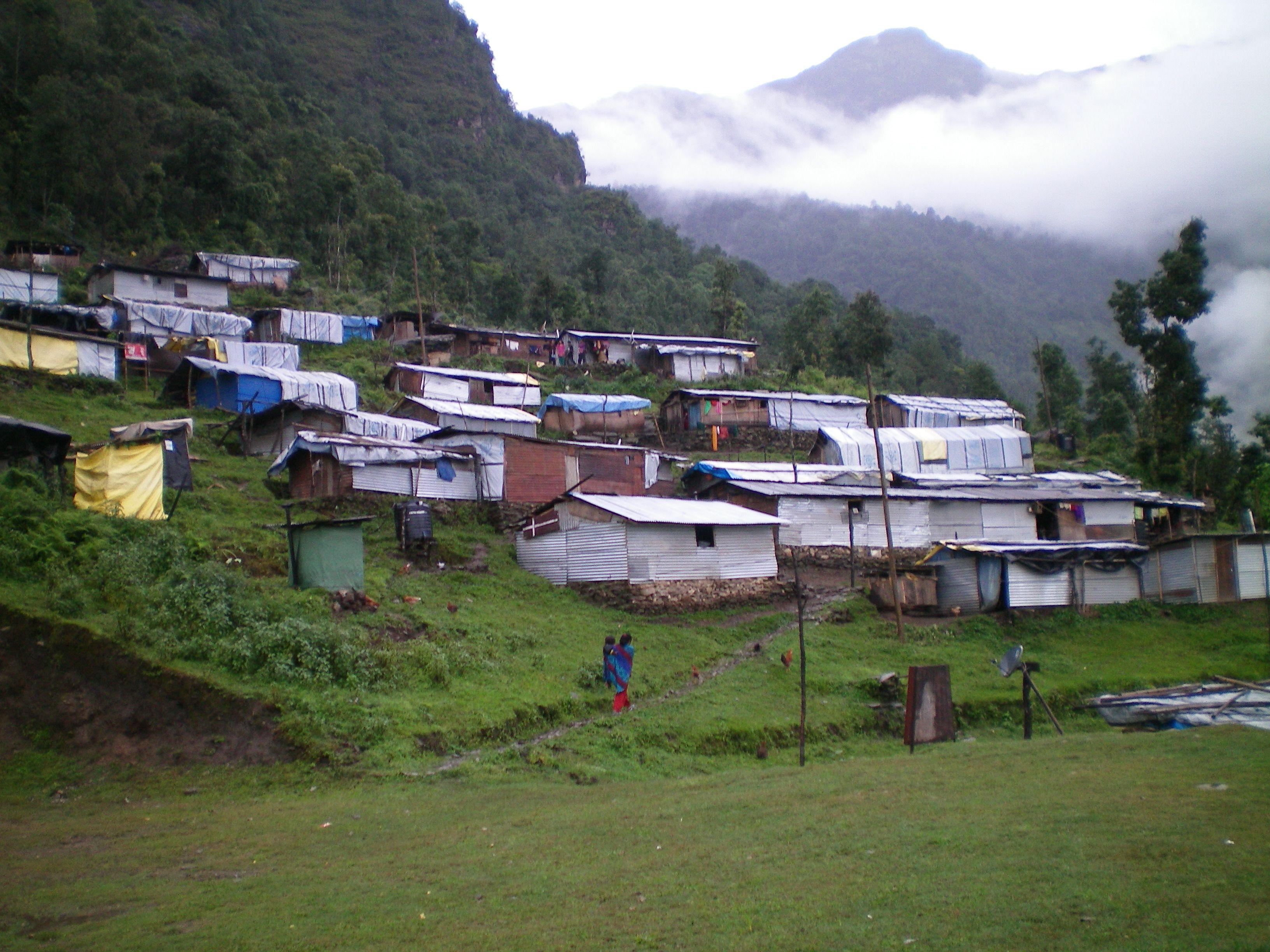 Nukentėjusieji Nepale vis dar svajoja apie nuosavus namus