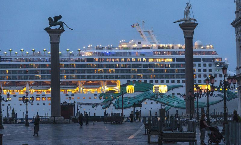 Kruizinis laivas Venecijos įlankoje. Vladimiro Ivanovo (VŽ) nuotr.