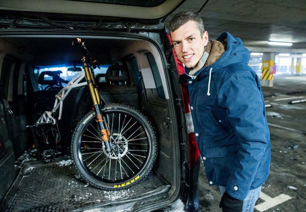 """Lietuvoje sukurtas elektrinis dviratis """"Neematic"""": 100 km/val. bekele"""